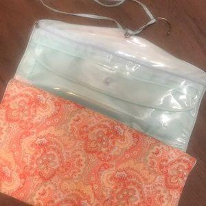Storage fold up hanging travel bag NWOT